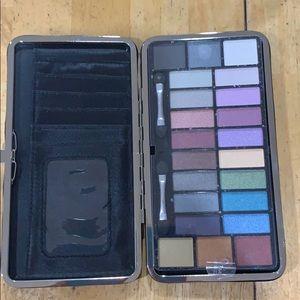 Makeover Essential eyeshadow Palette wallet